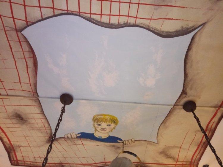 Disegni murali su soffitto e pareti